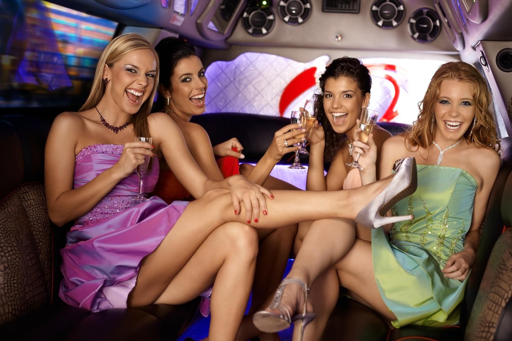 Русский конкурс отсос в клубе, Порно видео Конкурс в клубе не дали девке пососать 2 фотография